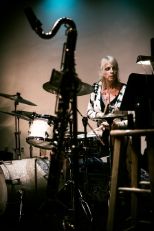 Jendeen Forberg - drums
